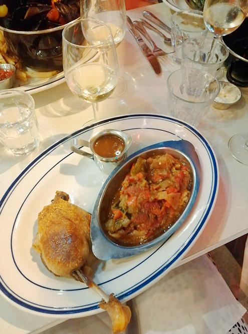 Утка конфи и рататуй в ресторане «Габи» стоят 31$&nbsp;(2351<span class=ruble>Р</span>)