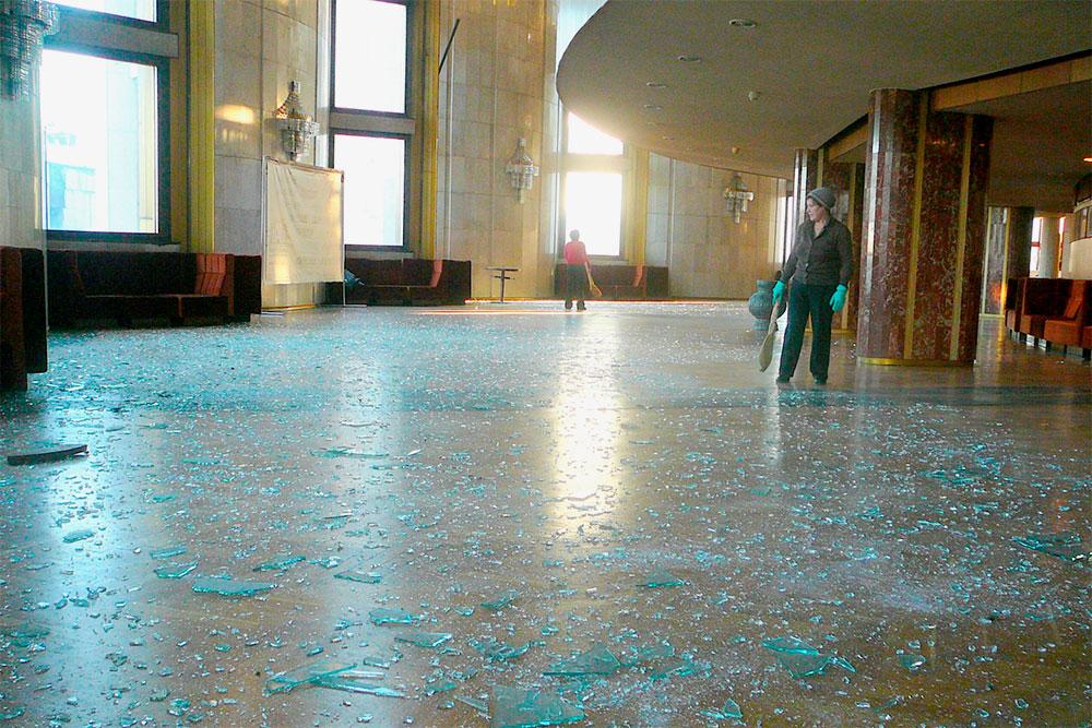 В Театре драмы после падения метеорита выбило окна. Фото — gallery.ru