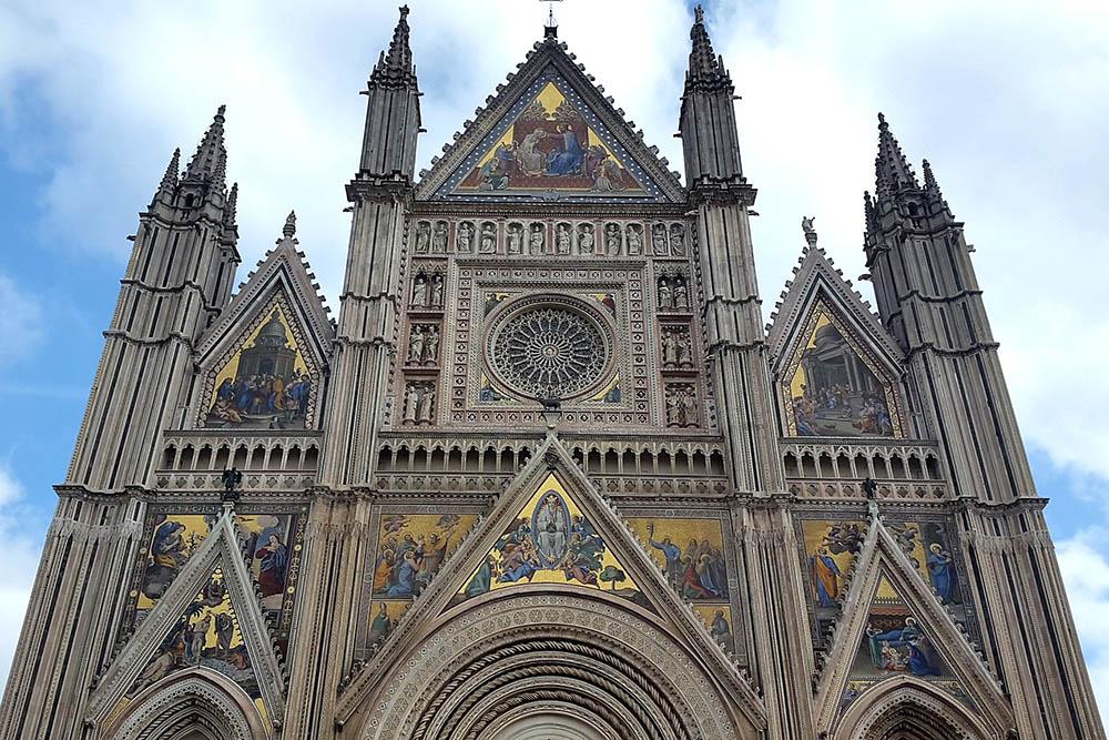 Один из самых красивых соборов Умбрии находится в Орвието