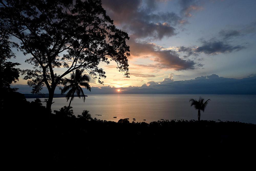 Закат на острове Самал