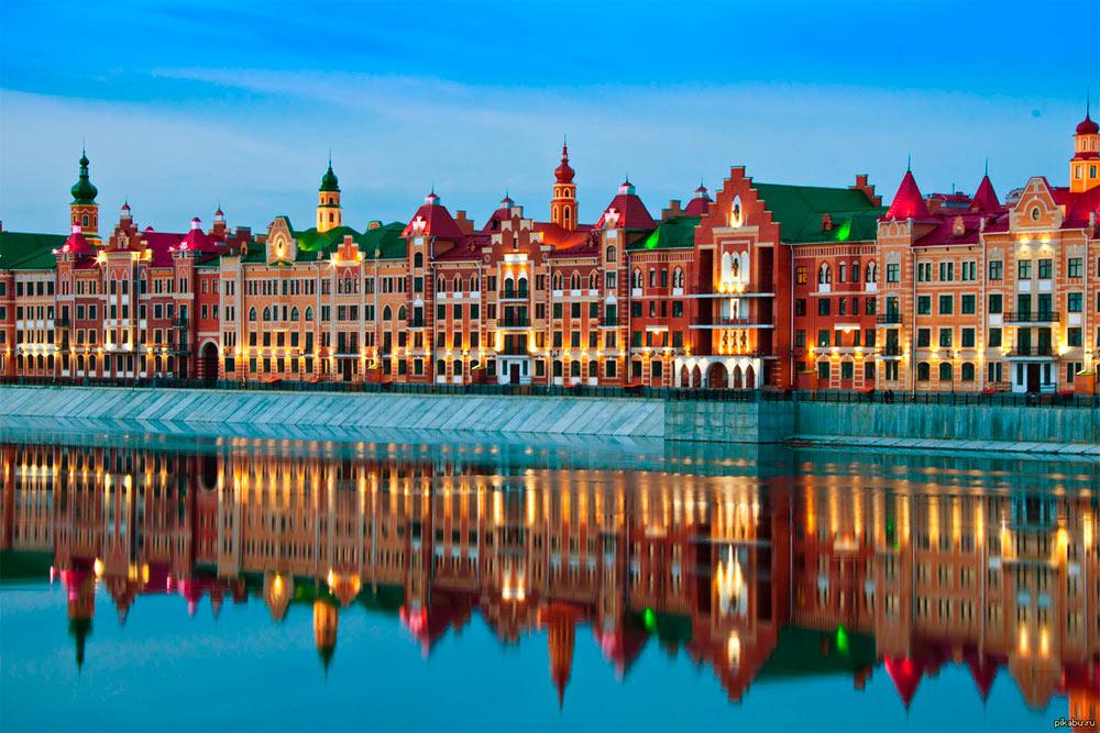 Набережная Брюгге построена на берегу реки Малая Кокшага. Это любимое место дляпрогулок у туристов и горожан