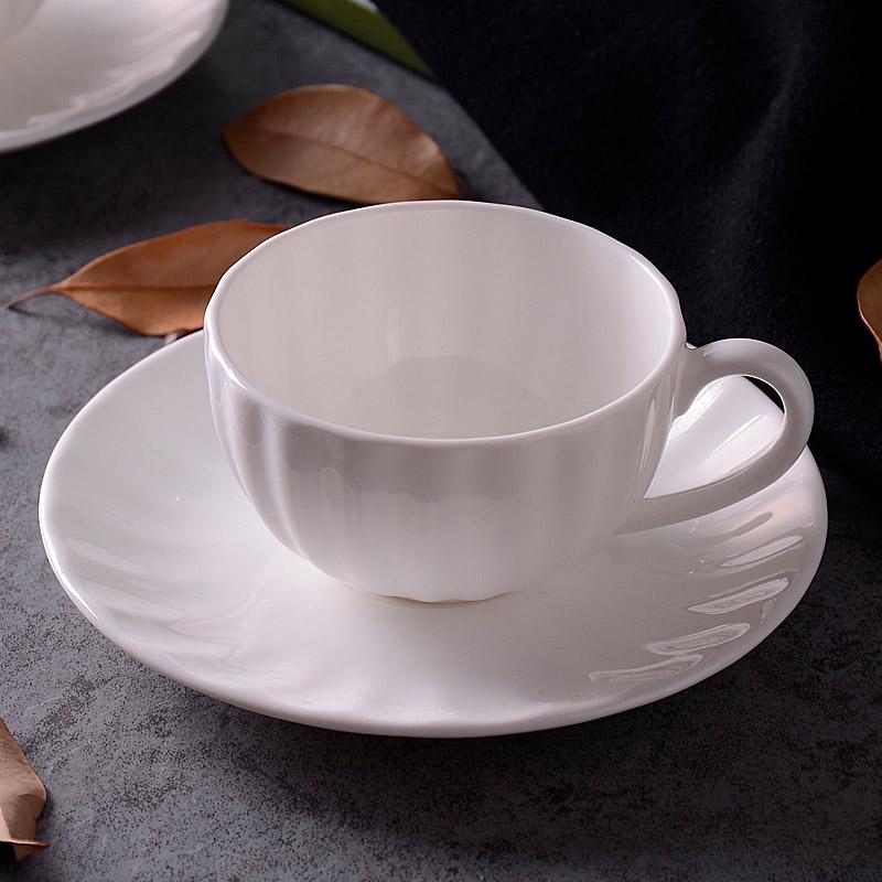 Кофейная пара в классическом стиле от 693 рублей, пришлют за 42 дня. Ищите по запросу bone china coffee set