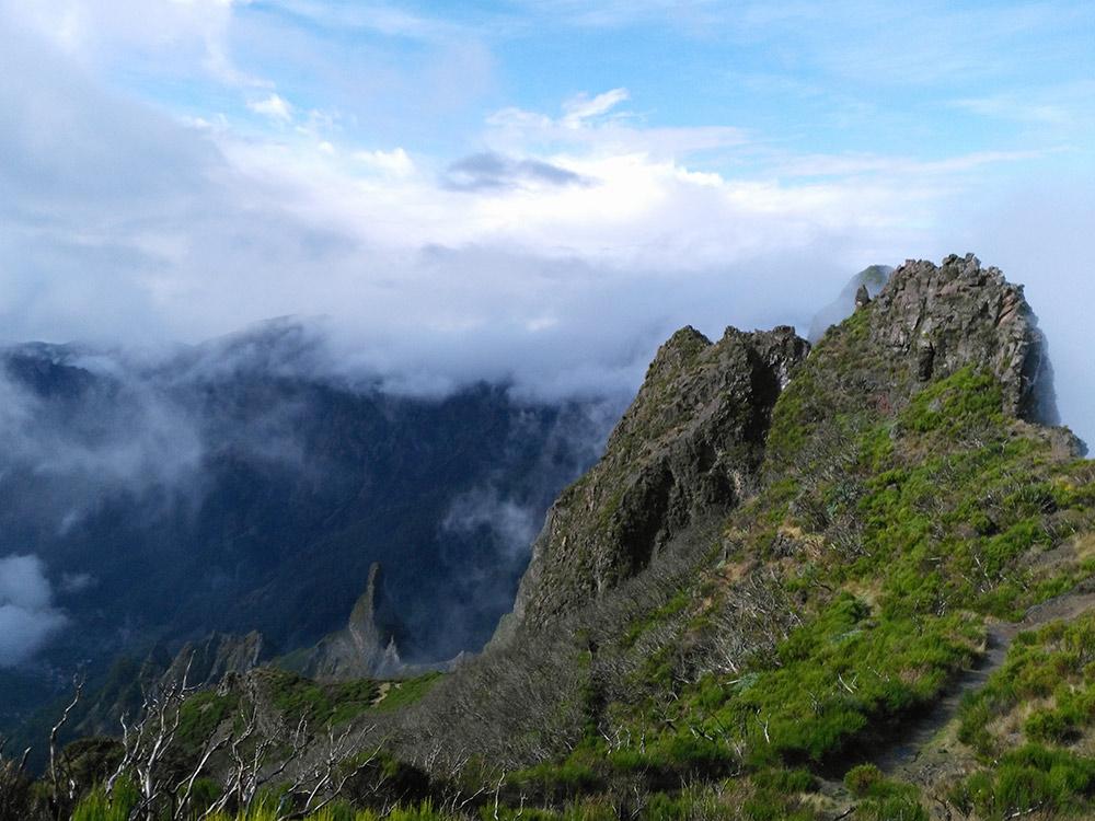 Во время подъемов в горы устаешь, но виды Мадейры все компенсируют