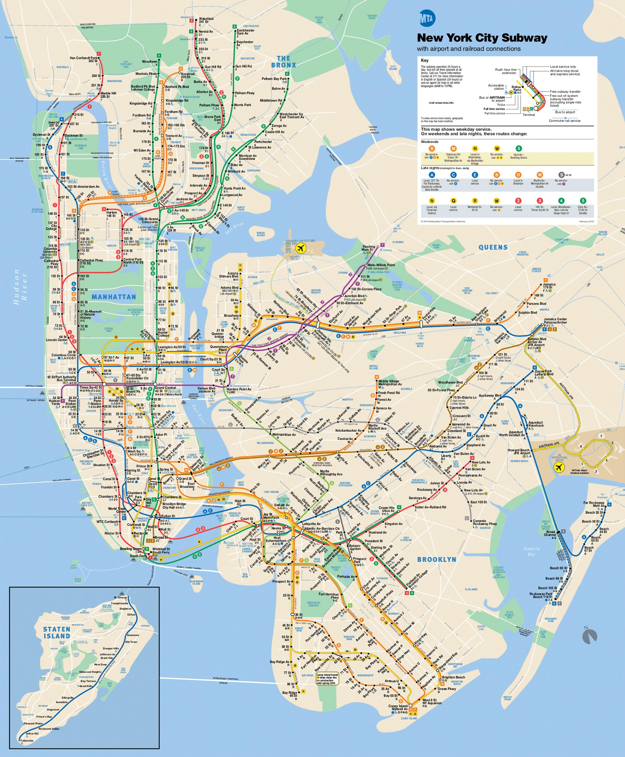 На карте белыми точками обозначены станции, на которых останавливаются все поезда. Черными — остановки только местных поездов. Экспрессы эти станции пропускают. Карту метро и автобусов можно скачать на сайте транспортной компании MTA