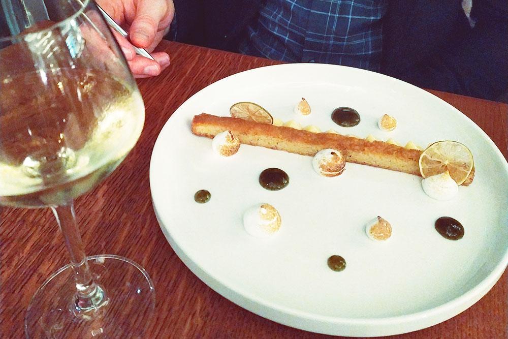 Десерт во французской кухне — самостоятельное блюдо. Его не принято запивать чаем или кофе