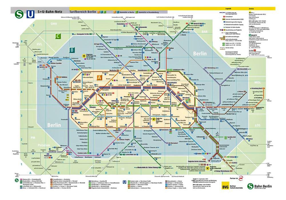 Карта общественного транспорта Берлина. Зоны показаны разными цветами