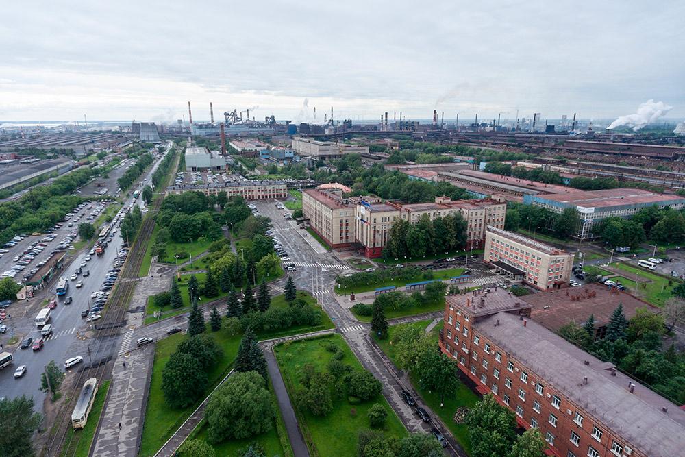 Панорама Череповецкого металлургического комбината. Фото: Kekyalyaynen / Shutterstock