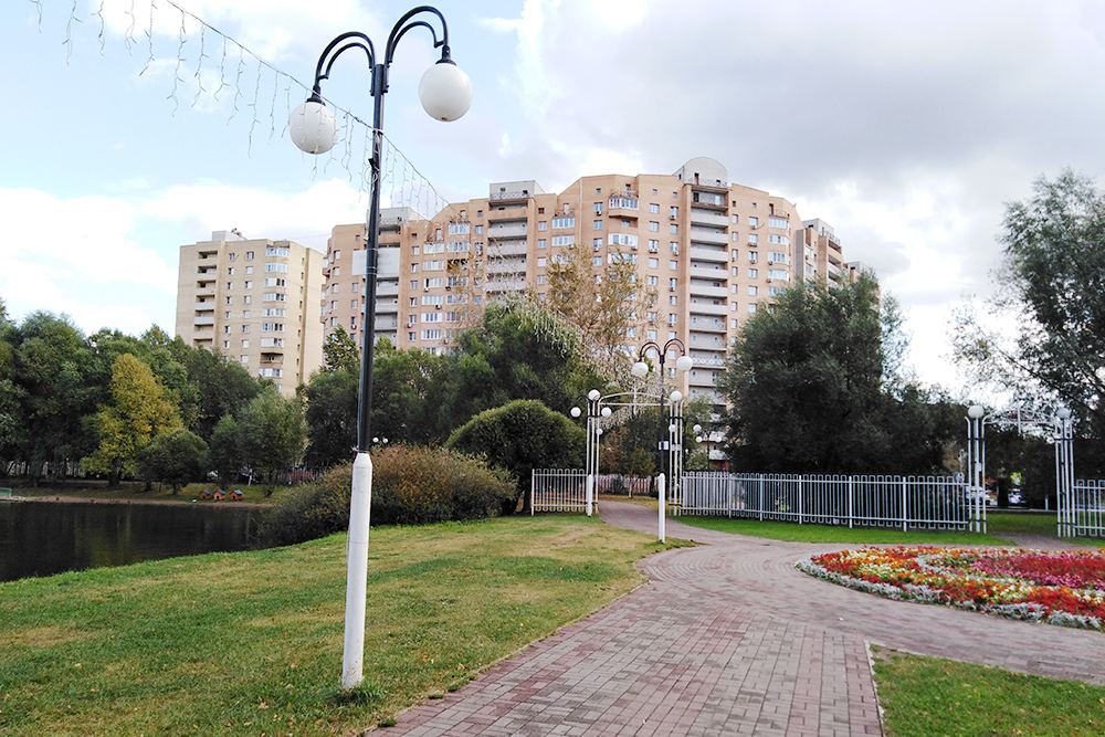 В этом доме мы купили вторичку площадью 99,8 м² за 10 150 000<span class=ruble>Р</span> с хорошим ремонтом