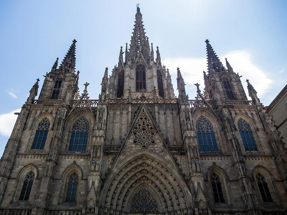 Кафедральный собор в Готическом квартале Барселоны. Фото: Ajay Suresh/Flickr