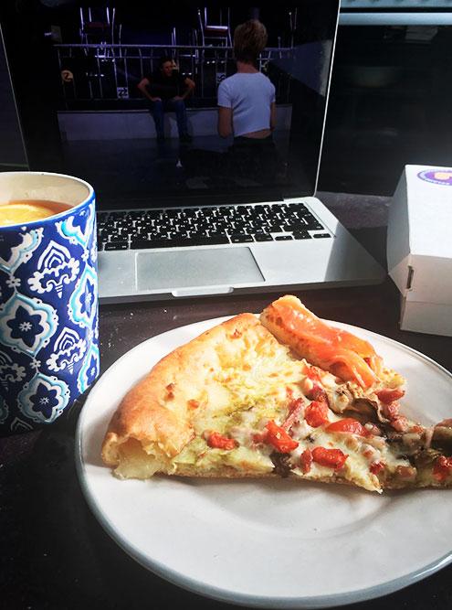 Может ли быть другой вариант завтрака, когда вчера заказывали пиццу? Нет!