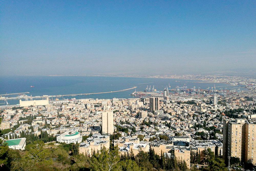 Вид на дорогой район Хайфы