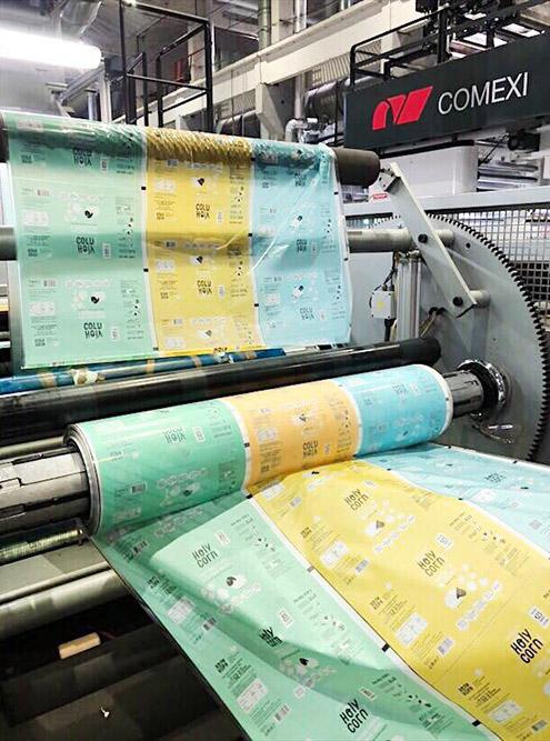Так печать упаковки выглядит на производстве