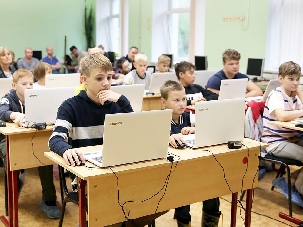 Начало каждого сезона ребята начинают с открытых уроков. На фото — занятие в городе Щелково