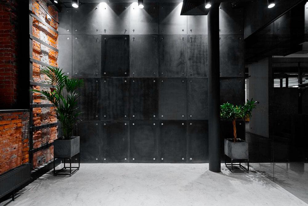 Облицовочная плитка для стен коворкинга: каждая пластина 1,2 × 0,8 м весит 32 кг