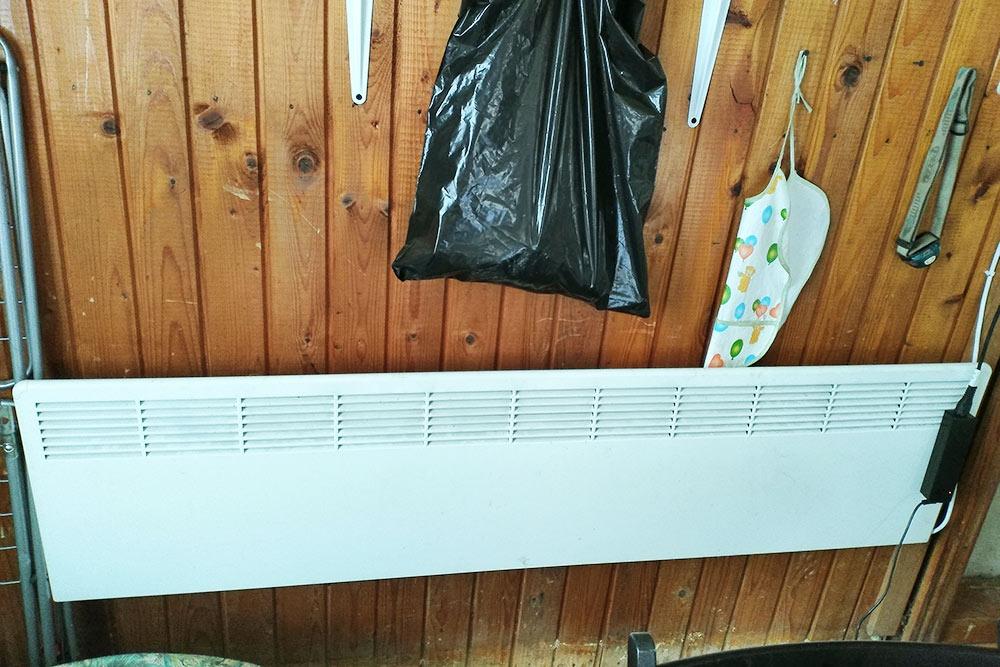 Наш конвектор фирмы «Энсто» мы купили в магазине б/у техники в Выборге за 2500<span class=ruble>Р</span>. Там продают технику из Финляндии