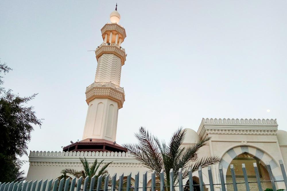 По данным портала Countrymeters, большинство исповедует ислам. Христиане составляют 2,2% населения