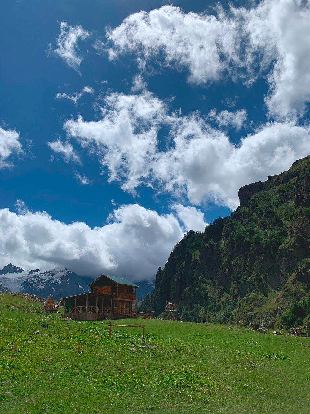 По-моему, пейзажи в Приэльбрусье не хуже альпийских