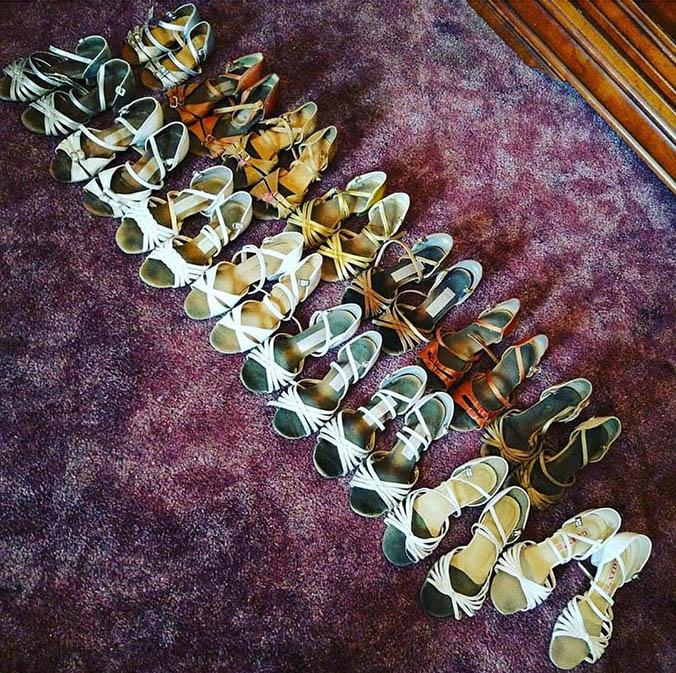 Часть обуви для тренировок и выступлений, которая накопилась у Вари за 6 лет, — всего 15 пар