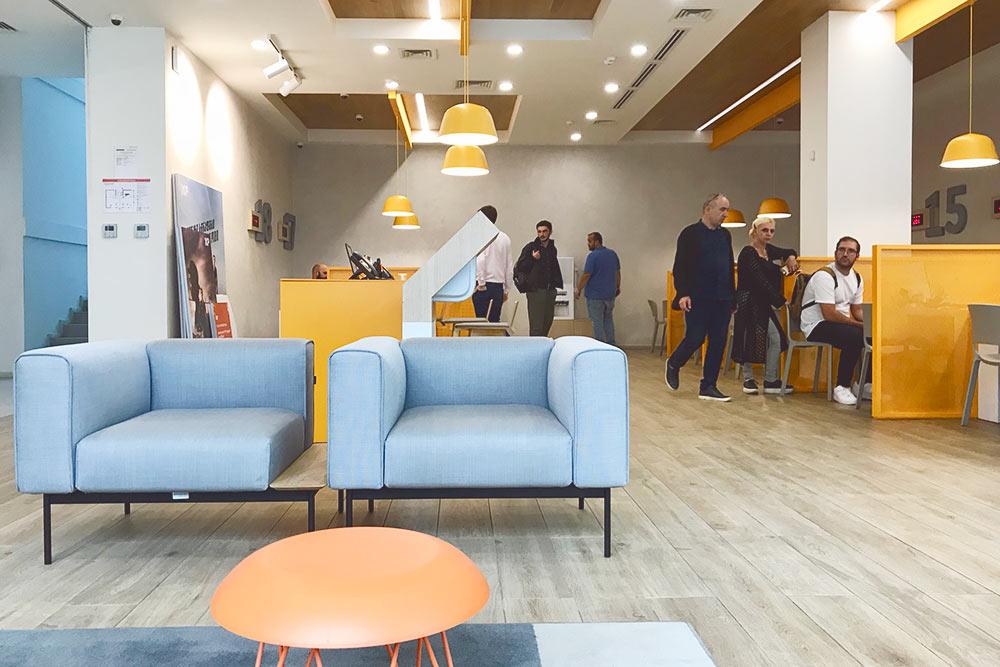 Так выглядит интерьер в одном из отделений Bank of Georgia: все современно и очень стильно