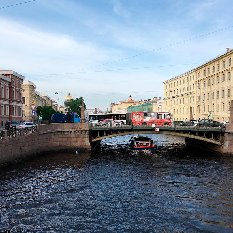 В теплую погоду в Петербурге просто замечательно