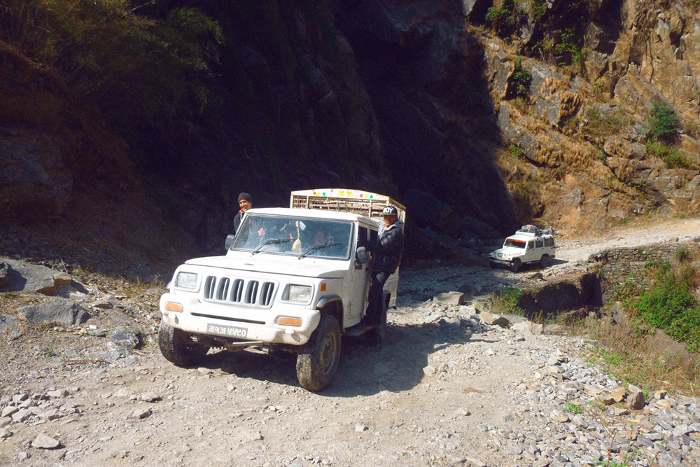 На таком джипе мы ехали 2,5 часа от Бесисахара до Джагата