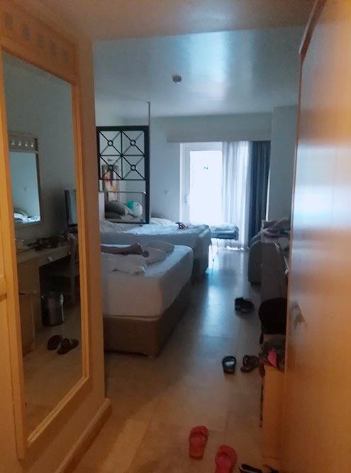 Номера в отеле были небольшие, но чистые и комфортные