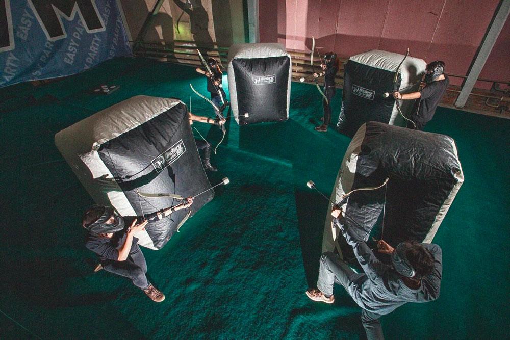 Перед открытием тестировали игровую зону «Стрелариума» с командой инструкторов: ставили заграждения и играли