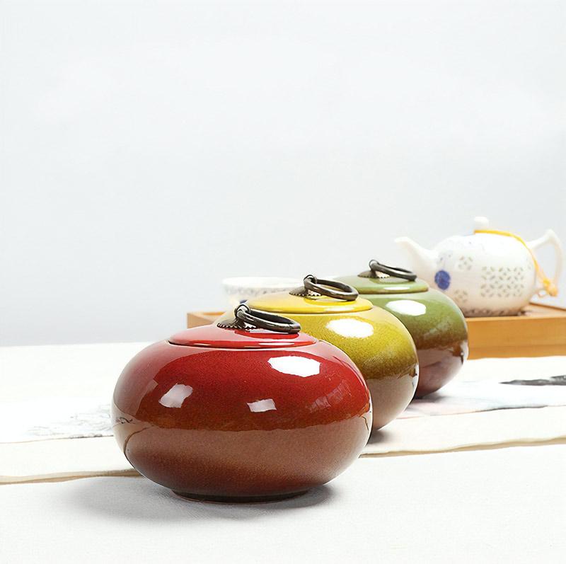 Горшочек для чая, стоит от 1183 рублей. Будет ехать 22 дня, ищите по запросам ceramic tea caddy, longquan tea jar и ceramic sealing can