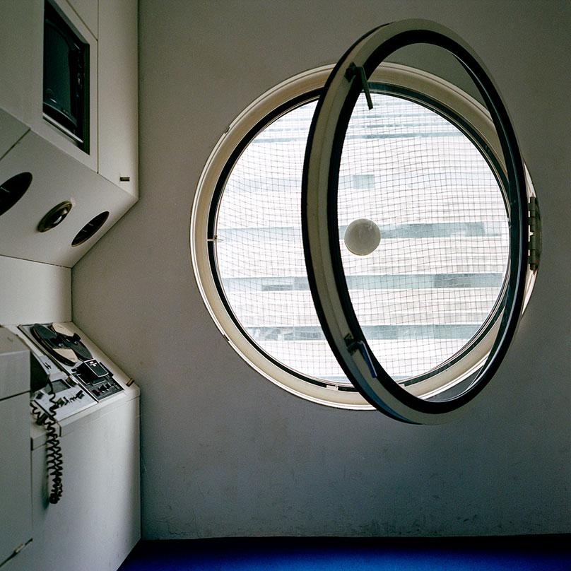 Внутри одной из жилых капсул. Площадь каждой — 10 м²