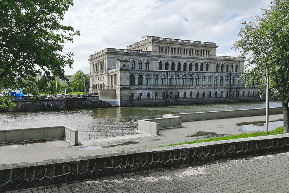 Музей изобразительных искусств находится в здании бывшей Кенигсбергской биржи