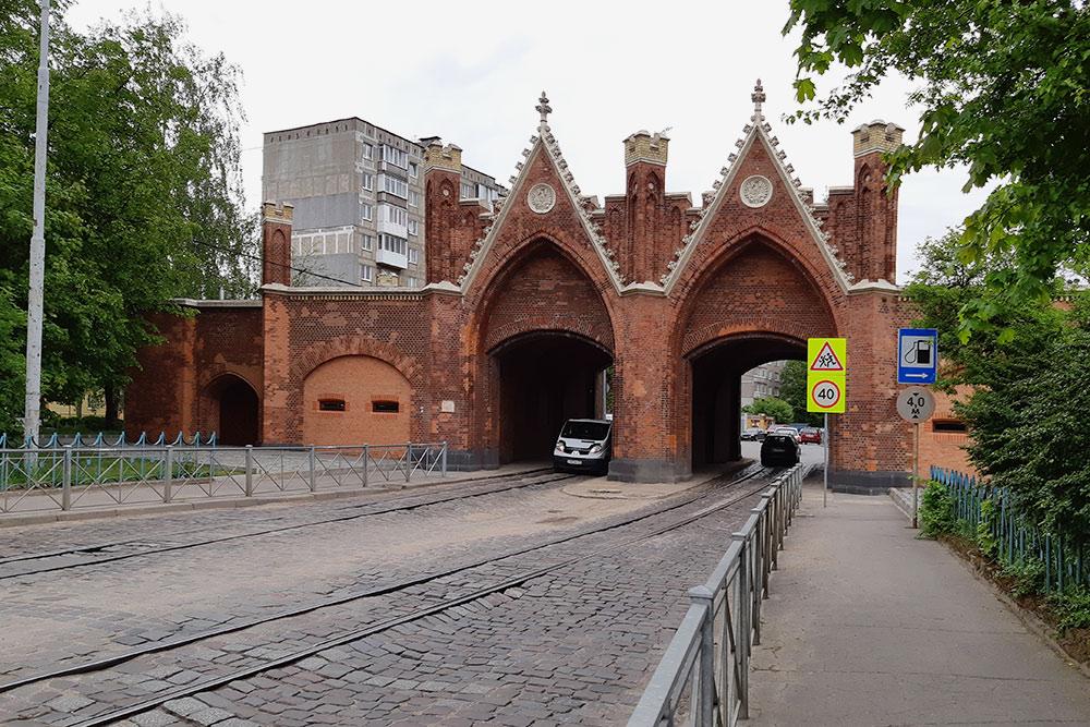 ВБранденбургских воротах сейчас находится один измузеев кенигсбергского марципана