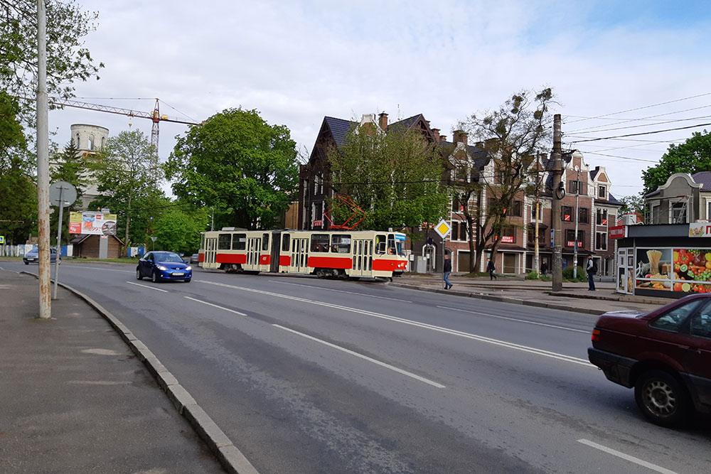 На трамвае можно совершить отличную обзорную прогулку по городу