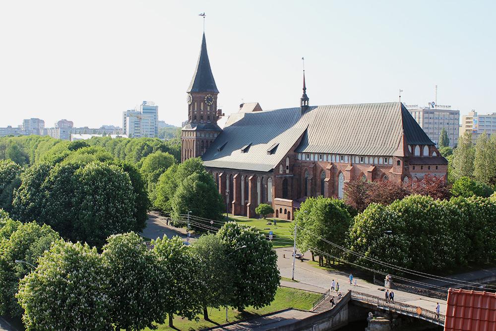 Вид сосмотровой башни «Маяк» накафедральный собор