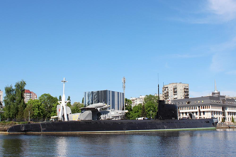 Подводная лодка исамолет-амфибия — настоящие. Это экспонаты Музея Мирового океана