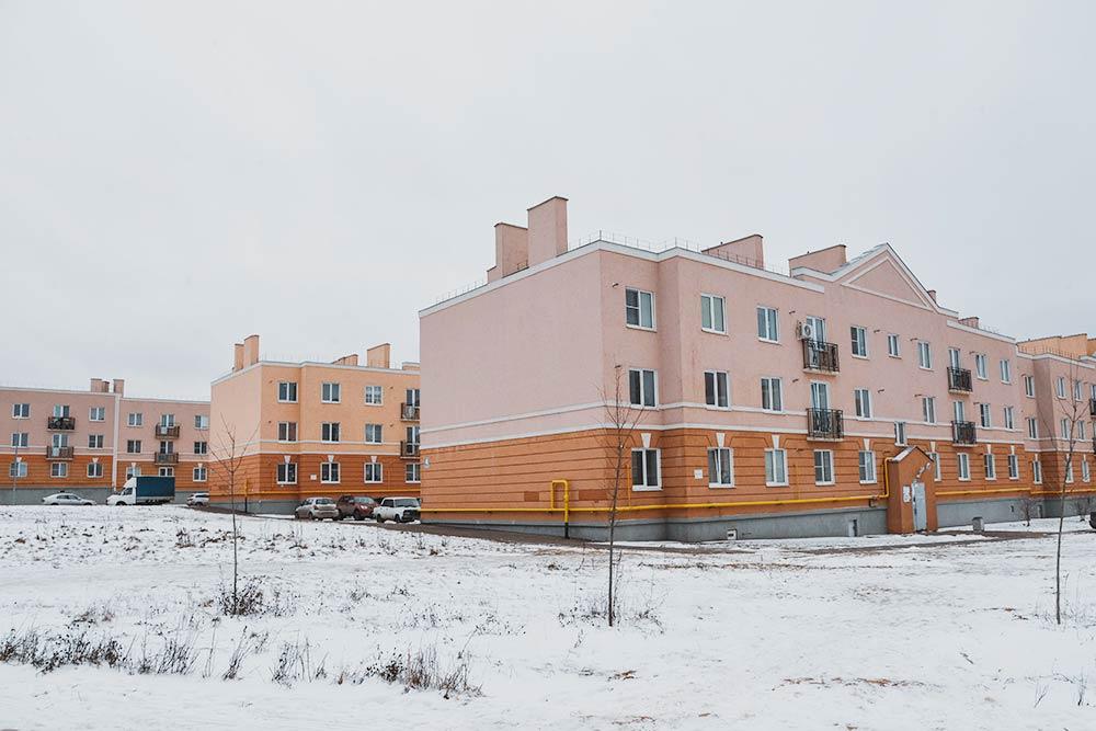 Калужский «Кошелев-проект» был сильным конкурентом длявсех новых застройщиков вгороде. Однушки здесь стоили от900тысяч рублей. Нокачество строительства соответствующее