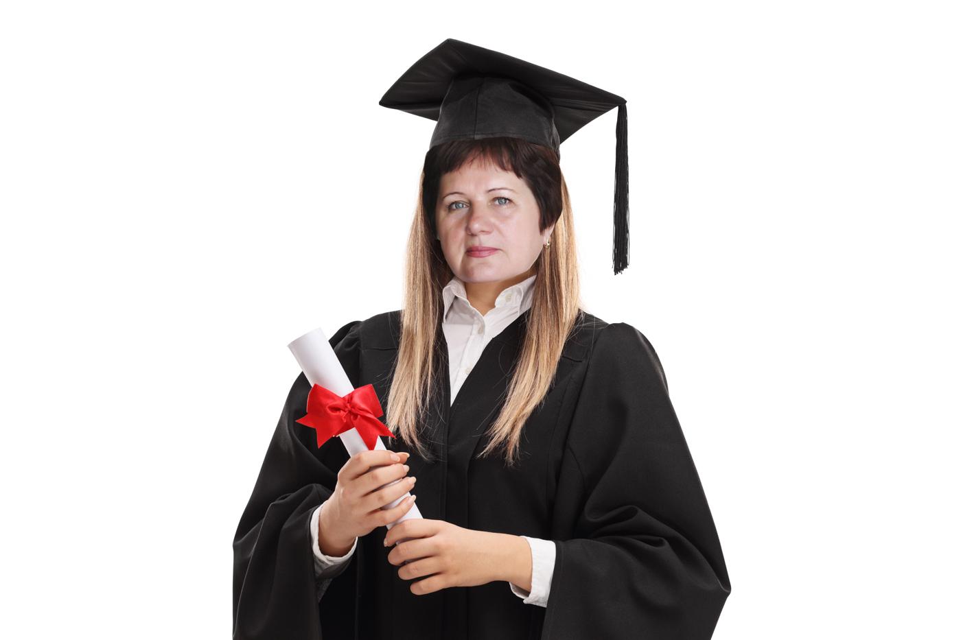 И подпишите: я окончила курсы парикмахерского искусства; я выучила английский; я поступила на второе высшее