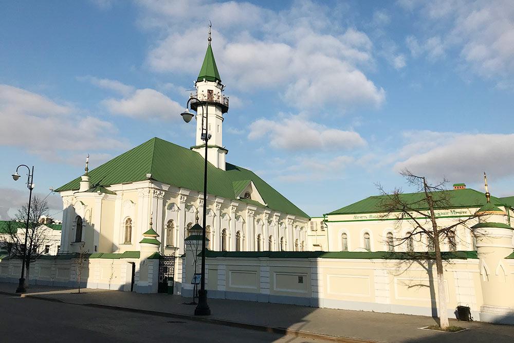 Больше двух веков мечеть аль-Марджани была самой большой в городе соборной мечетью-джами — пятничной мечетью