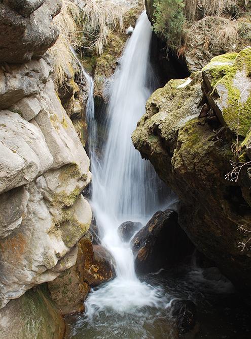 В небольших ущельях можно сделать красивые фотографии