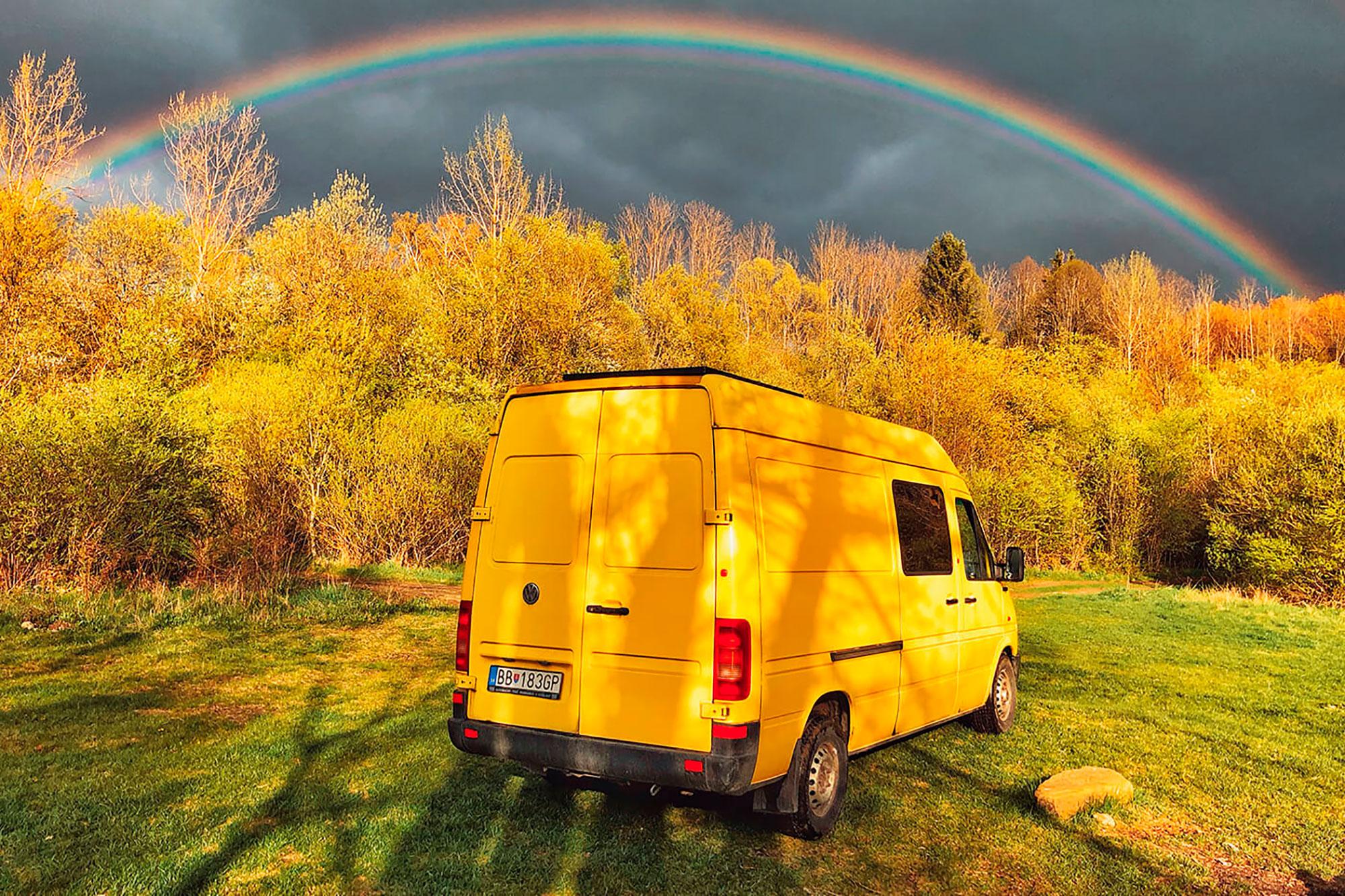 У плохой погоды тоже есть свои плюсы, например яркая радуга после дождя