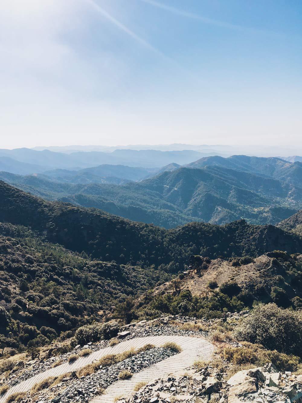 Любим ездить в горы, особенно летом, когда днем на побережье невыносимо жарко