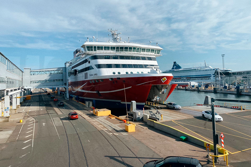Паром Viking Line, накотором мыприплыли вТаллин изХельсинки