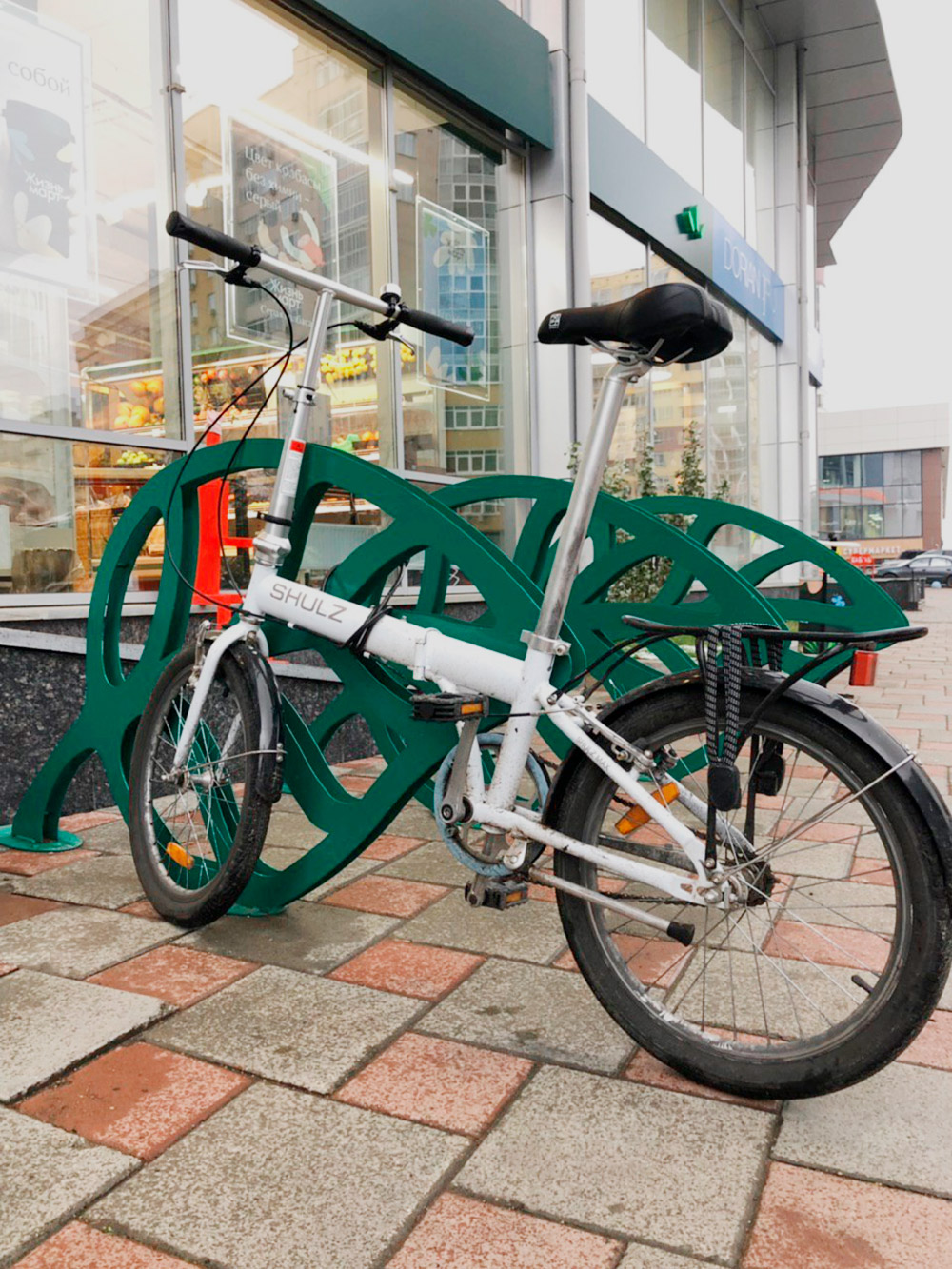 Для доставки заказов Иван даже купил велосипед за 15 тысяч рублей