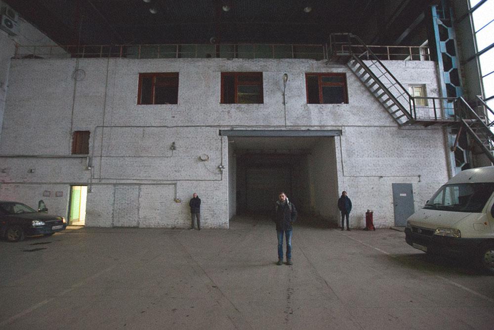 Здание находится в пяти минутах от метро «Бухарестская» на юге Петербурга