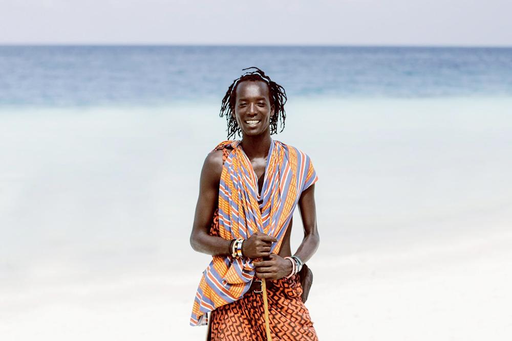 Представители племени масаи гуляют повсюду в традиционной одежде и любят позировать дляфотографий, но не бесплатно
