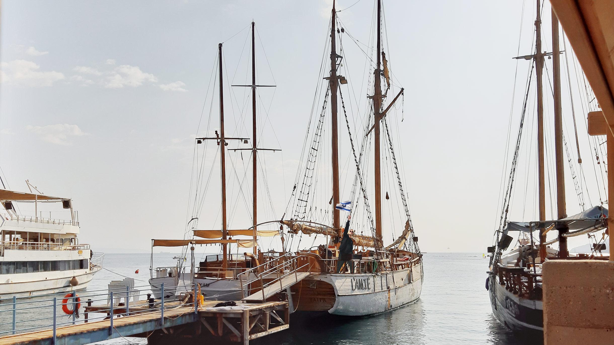 Я научился управлять яхтой в Израиле