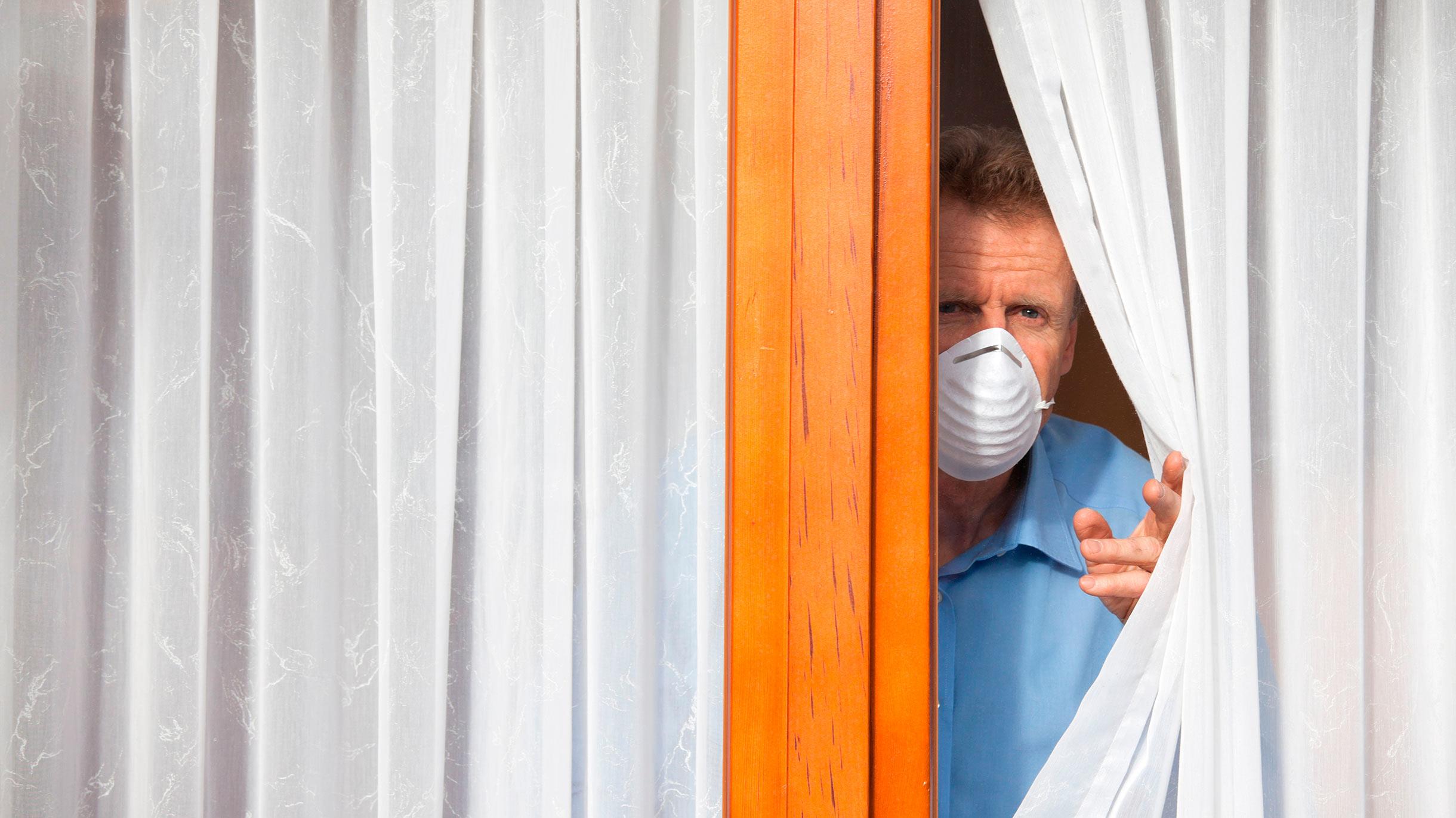 Новые штрафы и сроки из-за коронавируса: кого и за что могут наказать