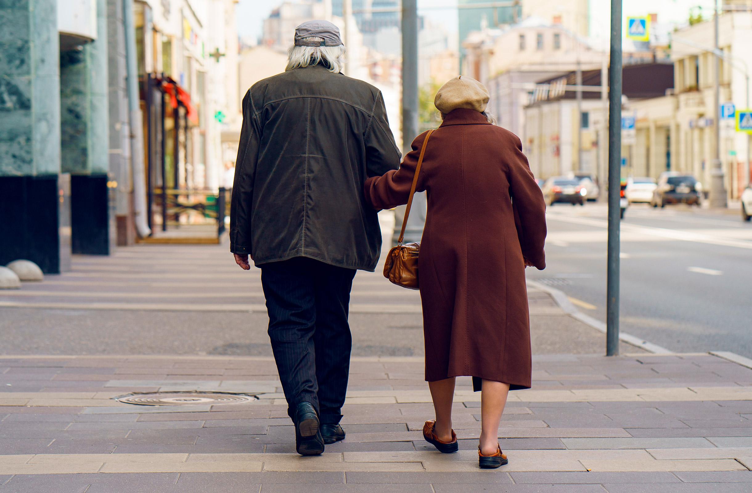 Как уберечь пожилых родственников от мошенников