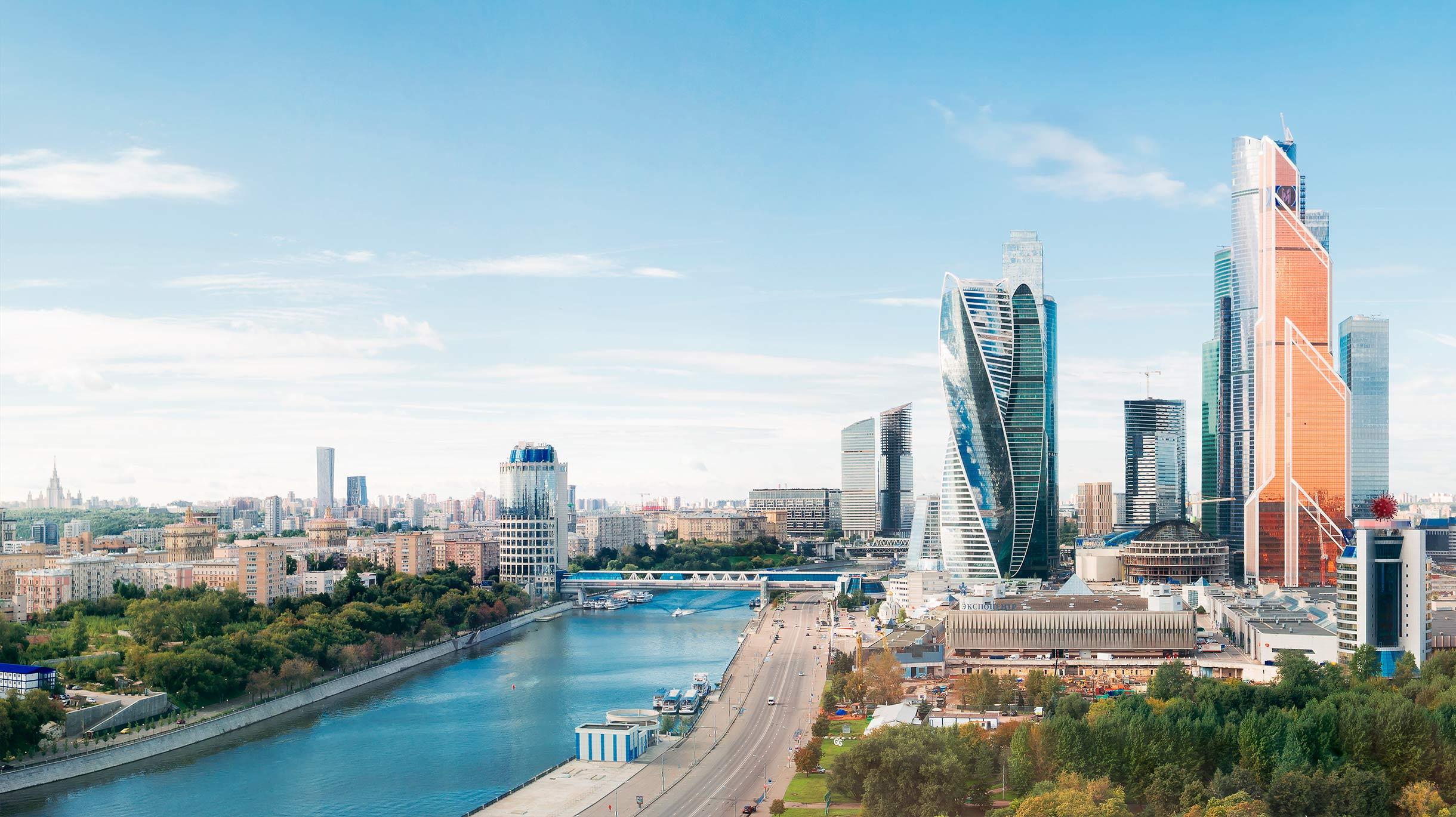Путинские каникулы: как оплачивать нерабочие дни и можно ли работать