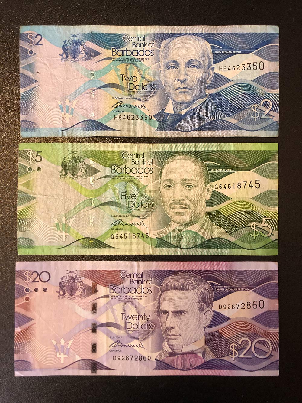 Это доллары острова Барбадос, тоже оставил их длясвоей коллекции