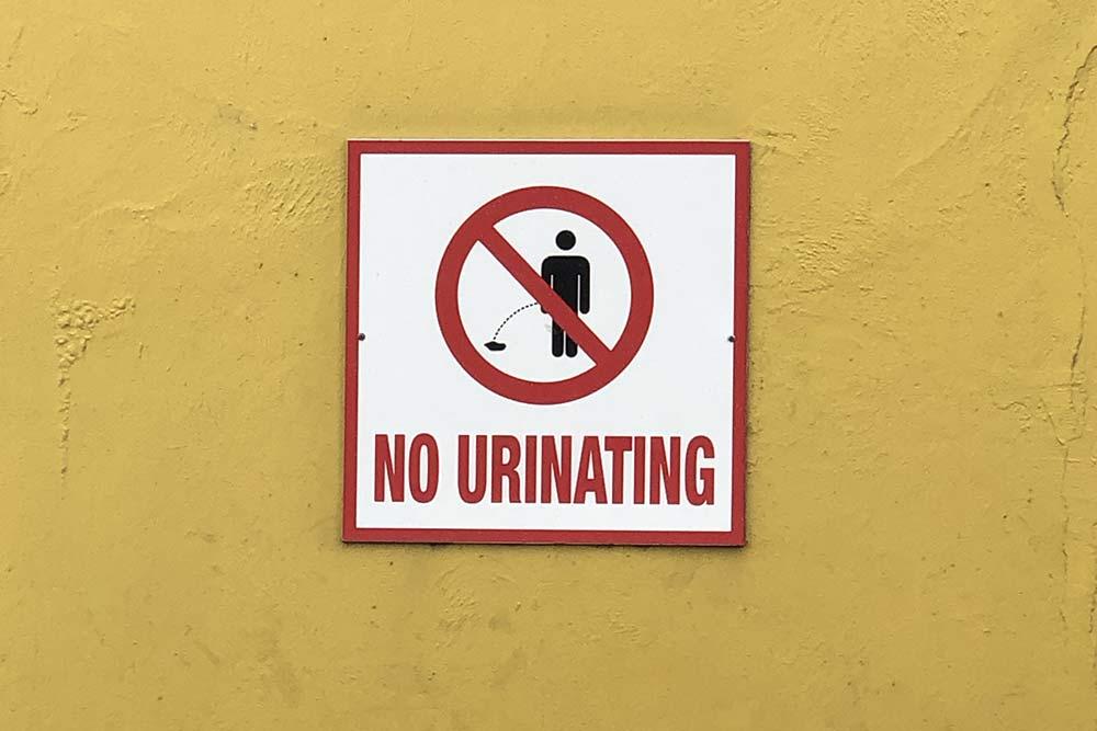 Судя потабличкам, общественных туалетов наСент-Люсии нехватает